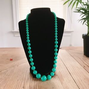 Vintage || Jade Green Colored Beaded Necklace